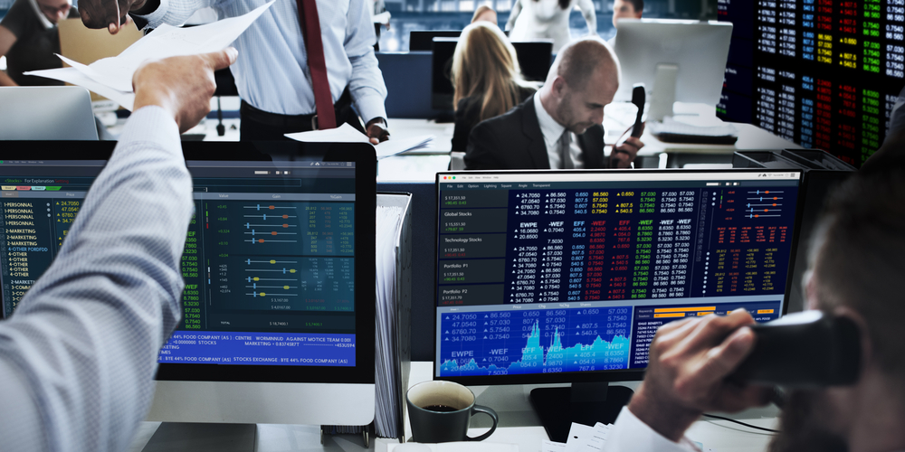 A picture of traders in action on Wall St.